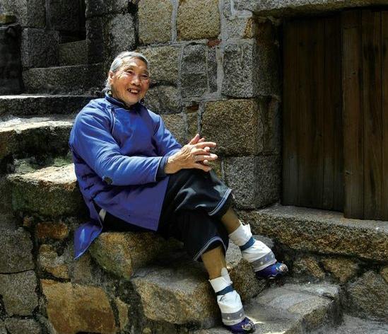 清朝女人裹脚图片
